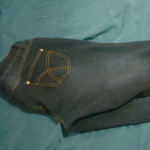 Pants - Women's leggings