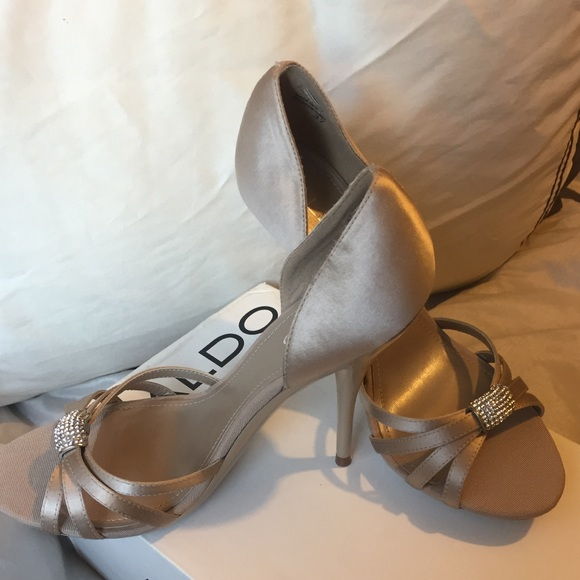5eaf9b088cb Aldo Derocco Size 37 (US 7)