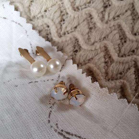 Pearl Drop and Sparkly White Stud Earring Set
