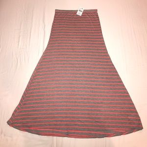 Eight Sixty Maxi Skirt Size M NWT