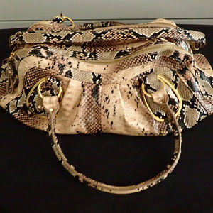 641ae153df28 ... bag not exact matc Central Casting Accessories Hollywood California t  ...