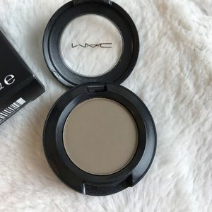 MAC Cosmetics Makeup - BNIB MAC COQUETTE SATIN EYESHADOW SHADOW