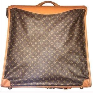 100% Authentic Louis Vuitton Bandolier MUST SELL