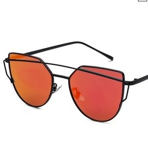 Accessories - Red polarized sunglasses