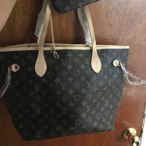 Handbags - Gorgeous brown designer shoulder bag