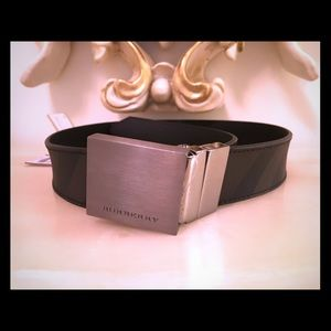 Brand new Men's/Boy's Reversible Burberry belt