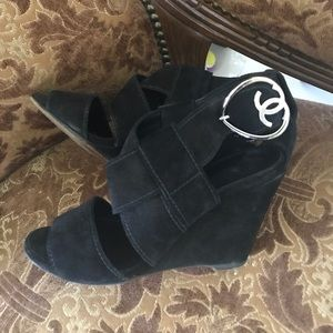 Gorgeous Chanel wedges