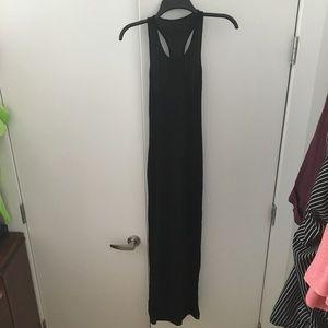 Dresses & Skirts - Black maxi dress with a slit
