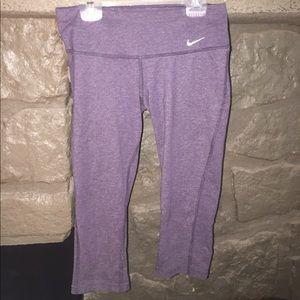 XS Nike Capri workout pants