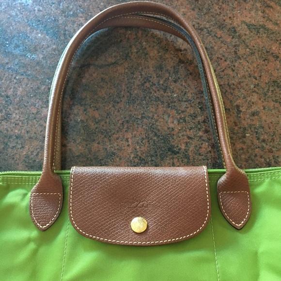 Longchamp Handbags - EUC Longchamp Le Pliage Green Long Handles 1949bf99fcb5a
