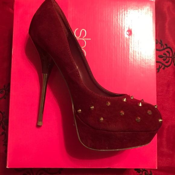 d95c9a8ea4f Burgundy Heels with Gold spikes
