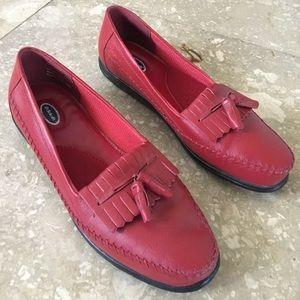Shoes - Dr. Scholls red leather loafer