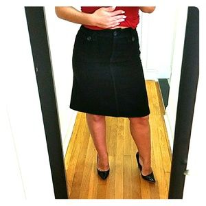H&M  CURDOROY SKIRT ! ! Black sz 6