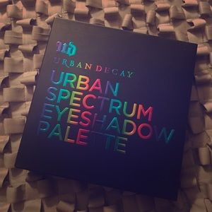 Urban Decay Spectrum eyeshadow palette BNIB