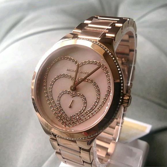 60ea9cfc8d1f Brand new Michael Kors Rose Tone Heart watch