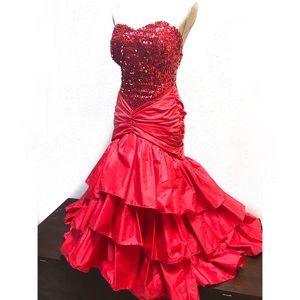 Gorgeous Vintage sequin Red Strapless Dress Down