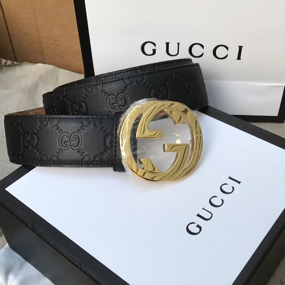 men\u0027s black Gucci leather belt With Gold Buckle