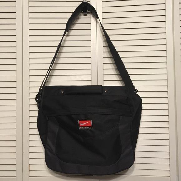 58afc3e75e7a Nike Team Black Messenger Bag x computer bag. M 598ba8ab99086ada6e00d0bb