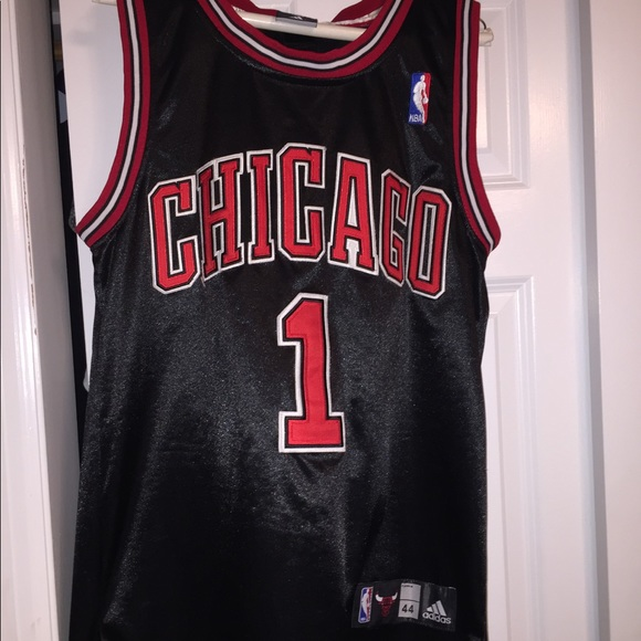 8b4c33c33 adidas Other - Vintage Stitched Chicago Bulls -Derrick Rose