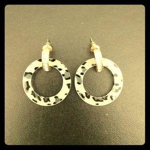 Jewelry - ‼️SALE ‼️ Black & Grey Cheetah print earrings