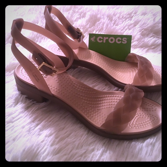 f6dfd45197a Crocs Isabella block heeled sandals❤