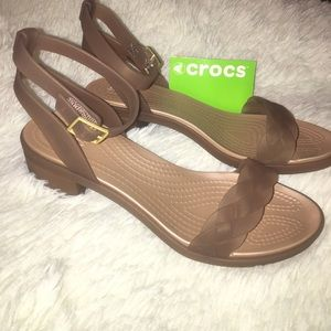 0cdd85c169a CROCS Shoes - NWT!!! Crocs Isabella block heeled sandals❤