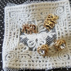 Jewelry - 2 pair of gold tone earrings