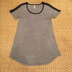 LuLaRoe black and gray size xxs t-shirt