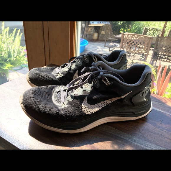 df33bf1d221c 75% off Nike Shoes - Nike Lunarlon Dynamic Support Training Sneakers from  Juliette s closet on Poshmark