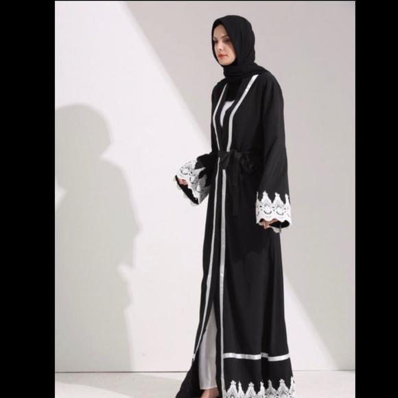 b141f05441dbb Dubai Style Abaya lace embroidered abaya 56/M NWT