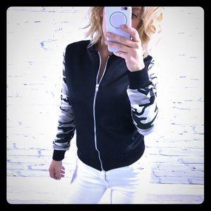 Jackets & Blazers - Camo print sleeves bomber jacket!