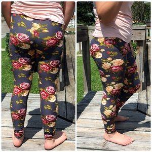 List! Gray Floral Print Leggings! NEW!