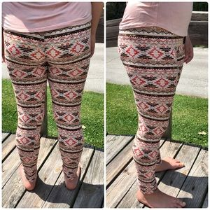 List! Blush Southwest Print Leggings! NEW!