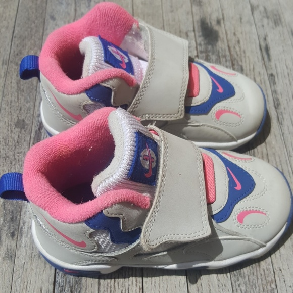 f0f6bdcbf8 Nike Speed Turf Toddler Sneakers 7.5C Shoes. M_598c996b6d64bc774c03bf3a
