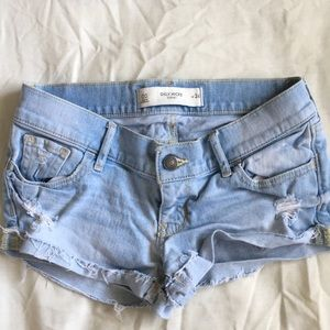 gilly hicks light washed denim shorts