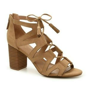 Tahari Abella Tan Lace up Block Heel Shoes
