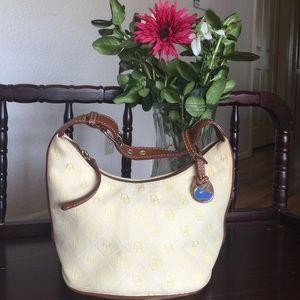 Handbags - Smll dooney & bourke small bucket tote