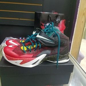 the best attitude 8cb12 8538a LeBron zoom soldier 8