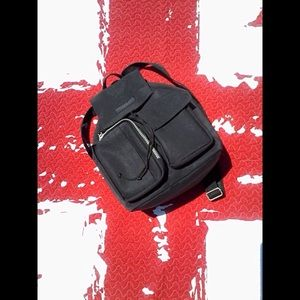 KENNETH COLE REACTION BLACK ADJUSTABLE BACKPACK