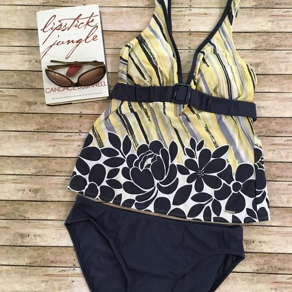 cb6f7fb022 Liz Claiborne Other - Liz Claiborne 2-Piece Tankini Swimsuit