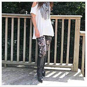 Pants - 🆕 Retro print Pre Fall leggings