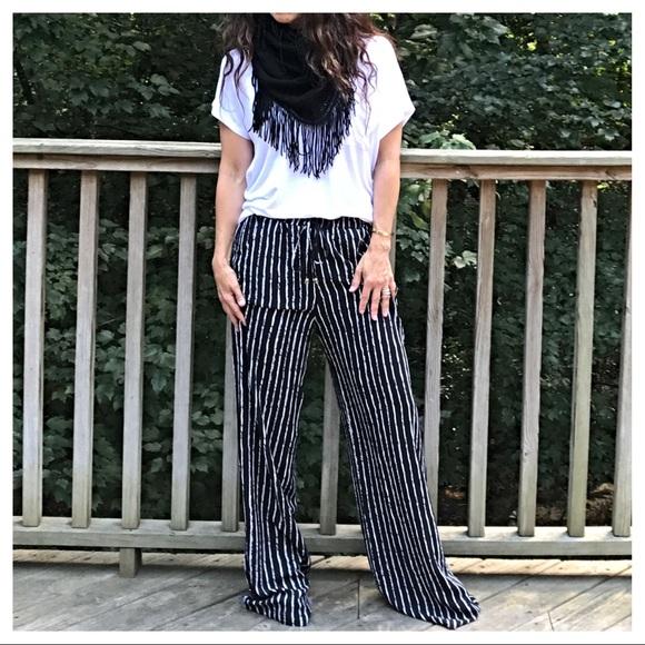 Pants - Black side pockets striped wide leg pants