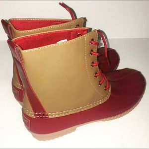 Evolve Always Shoes - 🆕Duck Boots Beautiful Color Read Description