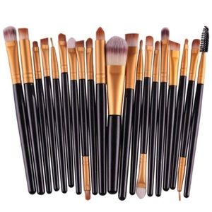 Other - 🎉HP🎉NWT 20 PC Makeup Brush Set