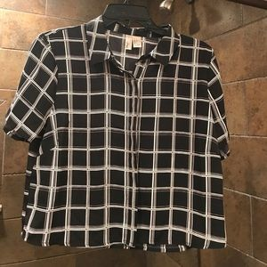 Tops - Patterened Black and White Shirt