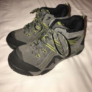 Hi-Tec Shoes - Hi-Tec Total Terrain Mid WP Hiking Boot Size Y3