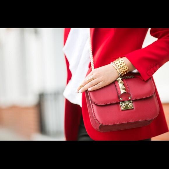 088dc56b573 Valentino Garavani Lock Leather Crossbody Bag. M_598d3c9f7fab3a8c5706daf2