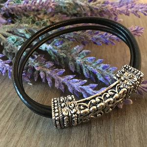 Jewelry - Silver Filigree Black Leather Magnetic Bracelet