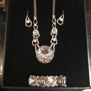 Jewelry - Beautiful statement jewelry set