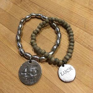 Jewelry - Bracelet buds